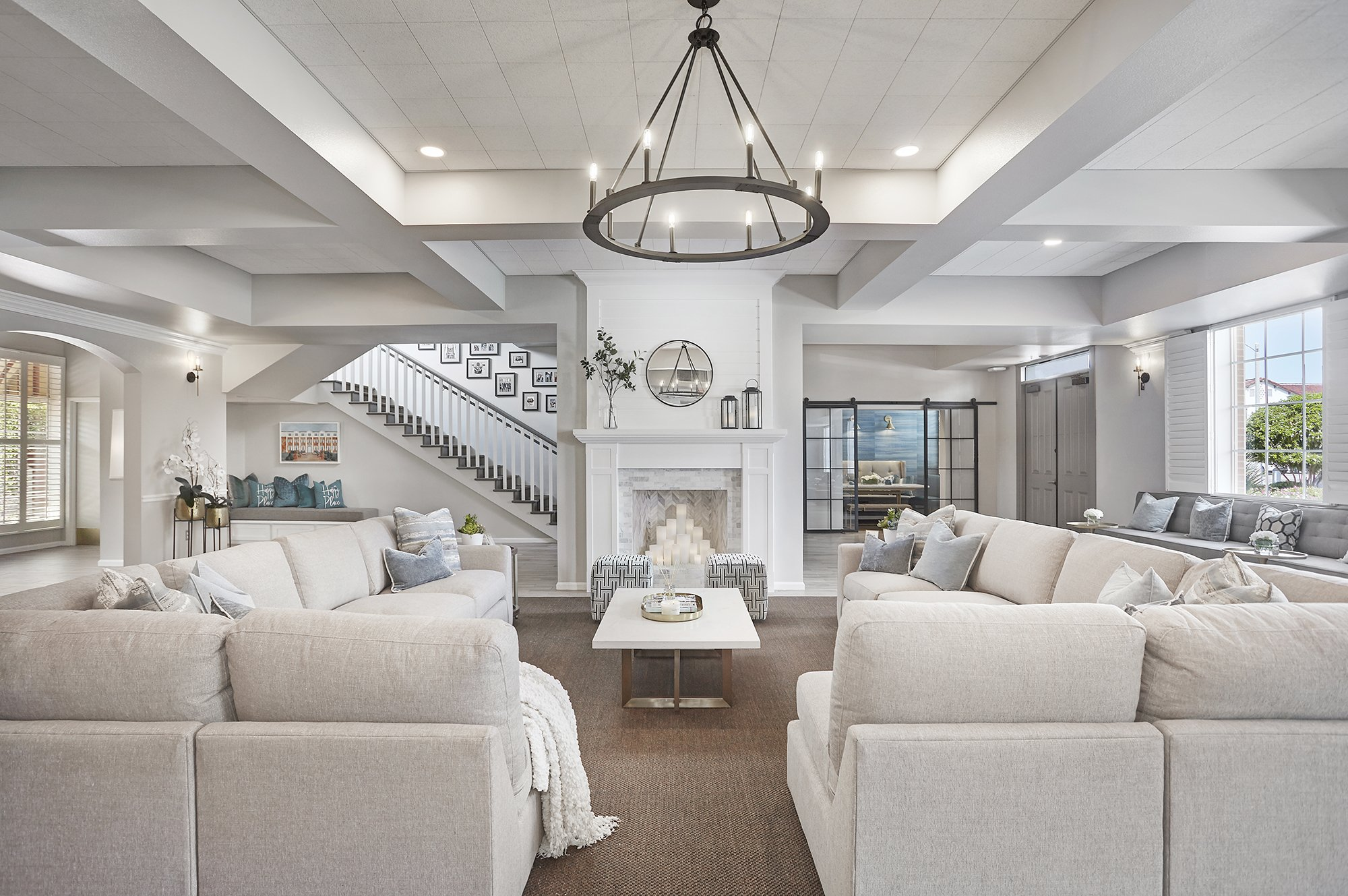 FineArt Interiors Farmhouse living room
